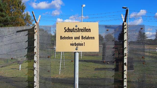 BerlinerMauer-Exklave_Steinstuecken