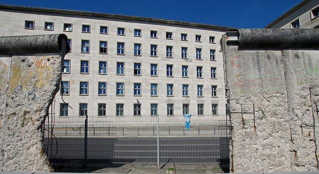 Berichte Zur Berliner Mauer Wall Museum