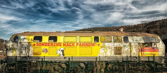 loco-1897607_640